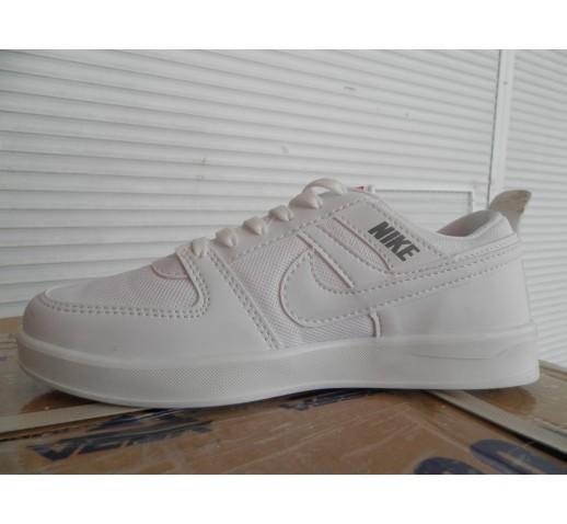 Кроссовки подростковые Nike белые